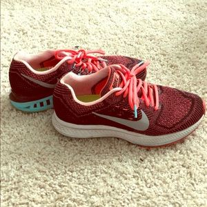 Nike Women's Structure 18 Running Sneakers